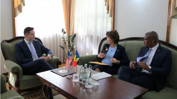 В Молдове реализуют больше проектов в области инвестиций, туризма и экономики при поддержке США