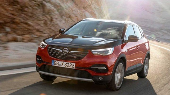 Opel показал гибридный Grandland X Hybrid4
