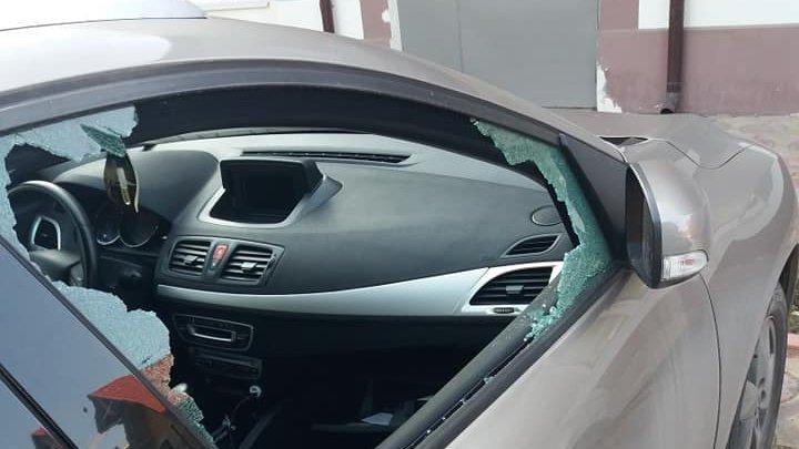 Девять машин вскрыли минувшей ночью в Дурлештах