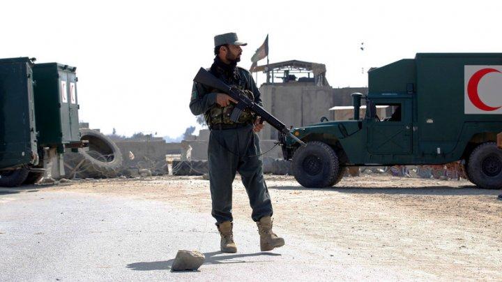 В Афганистане 30 человек пострадали при атаке на полицейское управление
