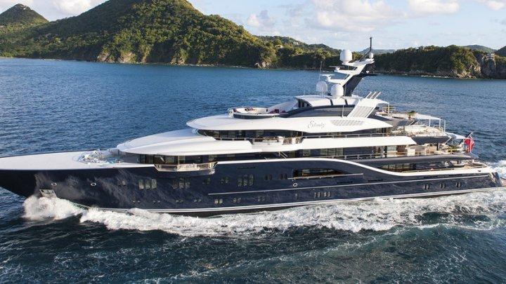 Компания предлагает работу мечты - отдыхать на роскошных яхтах за 50 тыс евро в год