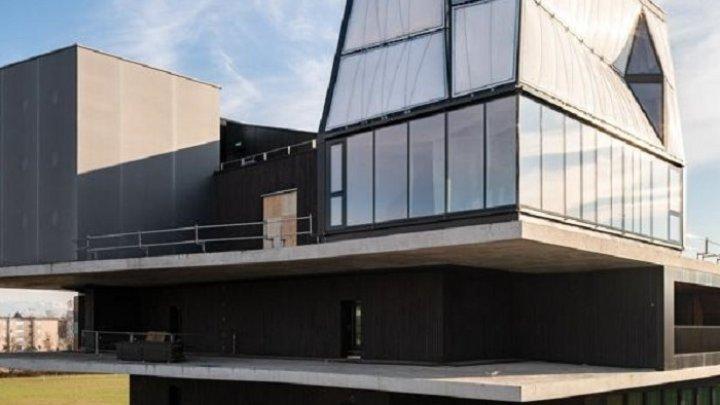 В Швейцарии роботы построили трехэтажный дом