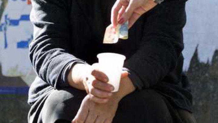 Заставляли попрошайничать: в Молдове задержали 7 человек по подозрению в торговле людьми
