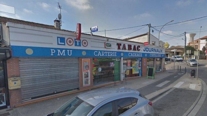 Захвативший заложников во Франции открыл огонь по полиции