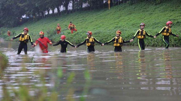 На юге Китая семь человек погибли из-за наводнений