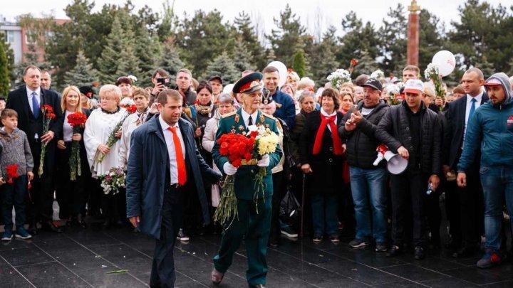 """Марш Победы, организованный партией """"Шор"""" собрал 15 000 человек (фото)"""