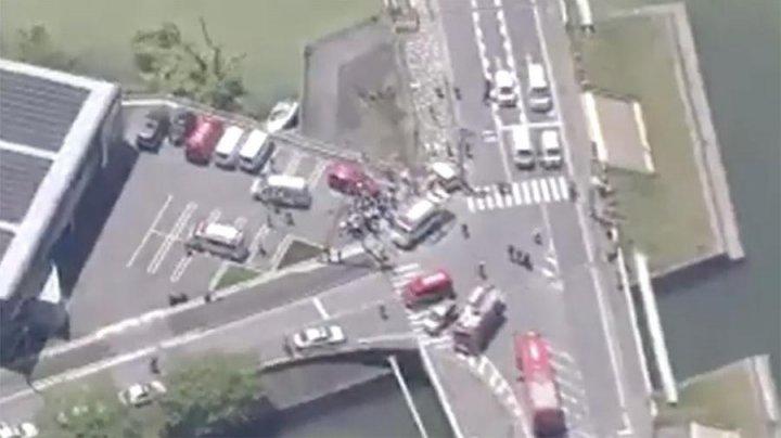 Автомобиль въехал в толпу детей в Японии (видео)