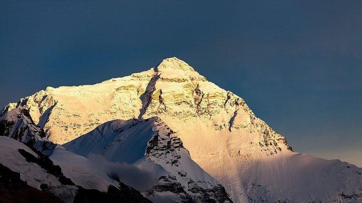 Американец умер после празднования дня рождения на Эвересте
