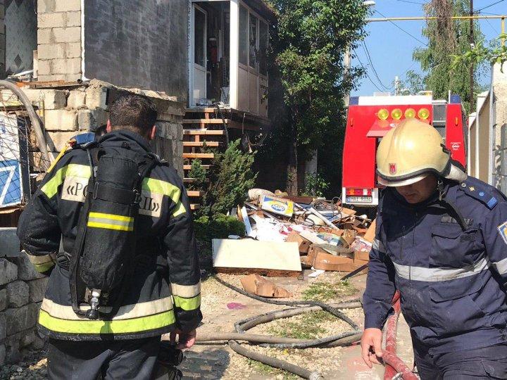 В строящемся доме в Дурлештах вспыхнул пожар (фото)