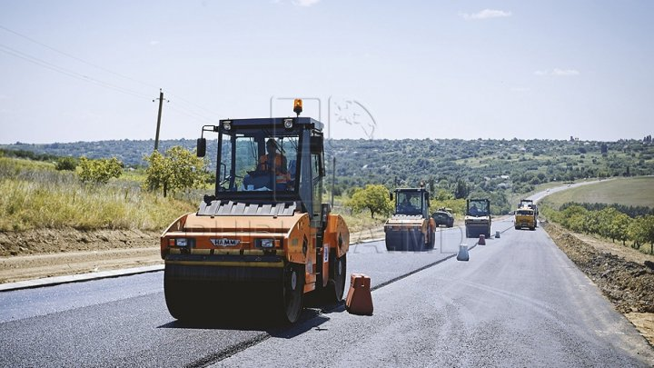 Более 5 тысяч дорожных строителей Молдовы простаивают из-за проблем финансирования