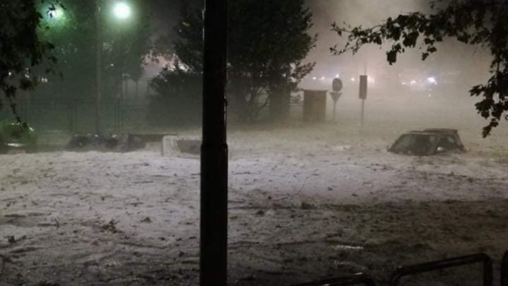 В Италии объявлен оранжевый код метеоопасности в связи с ливнями и градом