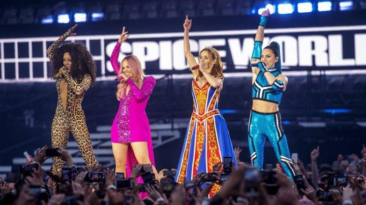 Spice Girls отправились в европейский тур