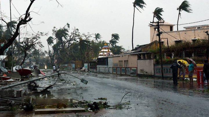 """Жертвами супертайфуна """"Фани"""" стали уже 8 человек"""