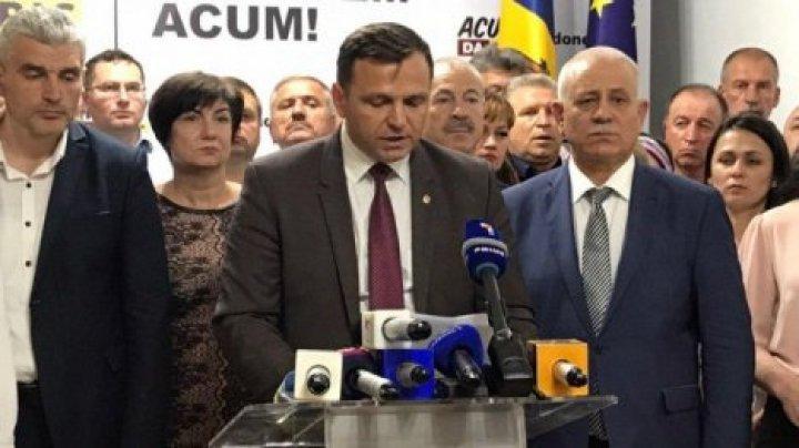 Нэстасе уступил пост председателя парламента социалистам