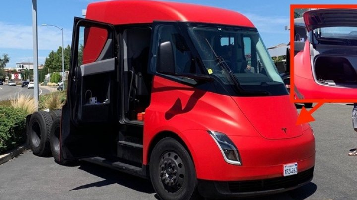 Прототип тягача Tesla Semi впервые попал на фото