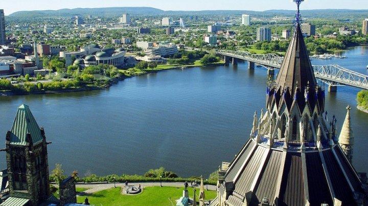 Столица Канады официально стала миллионником