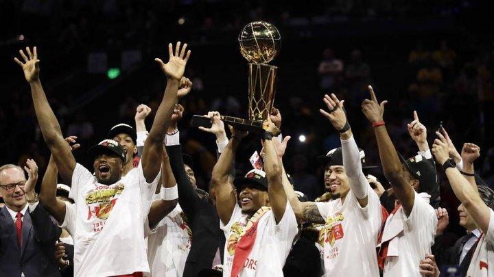 """""""Торонто Рэпторс"""" впервые стала чемпионом НБА"""
