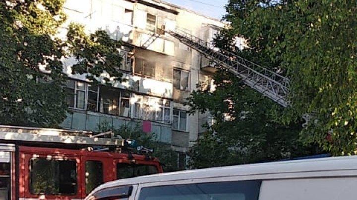 На Буюканах загорелась квартира: хозяйка госпитализирована (фото)