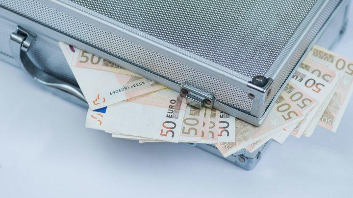 """Россиянка перевела 1,6 млн рублей """"жениху-бельгийцу"""", обещавшему ей чемодан евро"""
