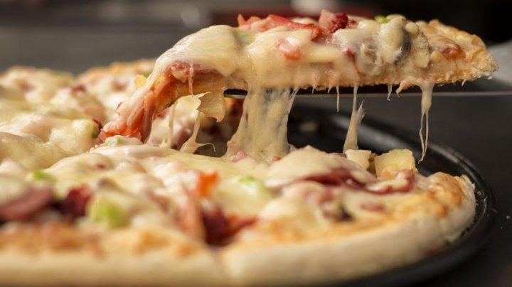 Курьер попытался доставить пиццу британской королеве