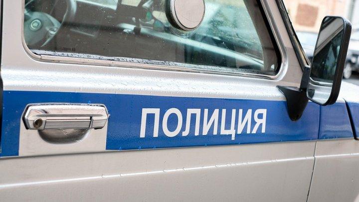 В Петербурге водитель из Молдовы украл у работодателя, которого возил, миллион рублей и часы