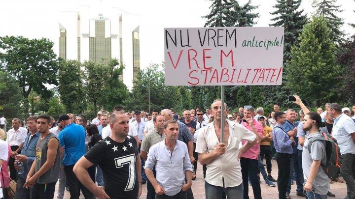 Граждане требуют стабильности в Молдове и продолжения социальных проектов