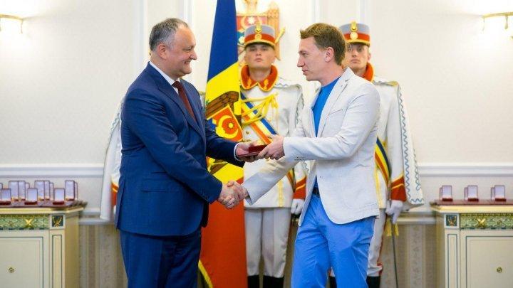 Дмитрий Волошин призвал посла США к диалогу по проблеме Республиканского стадиона