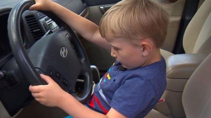 Четырехлетний мальчик угнал машину прадеда и поехал за конфетами