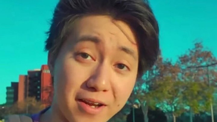 Накормивший бомжа печеньем с зубной пастой блогер получил срок