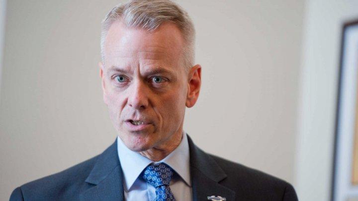 Стив Рассел: ДПМ и ACUM должны сформировать коалицию для противодействия влиянию России