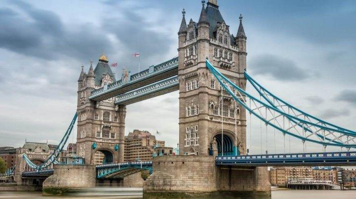Тауэрский мост в Лондоне отмечает 125-летие