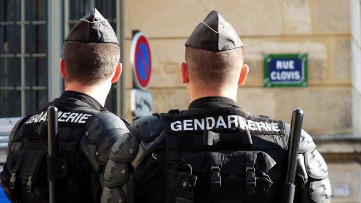 Во Франции грабители за пять минут украли около сотни пар очков