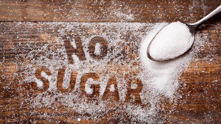 Диетолог рассказала о преимуществах отказа от сахара