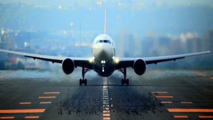Вылетевший в Москву самолет AirBaltic вернулся в Ригу из-за технических проблем
