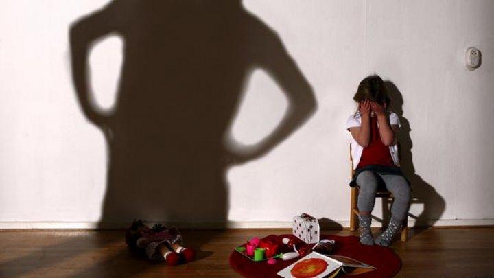 Во Франции запретили физические наказания детей