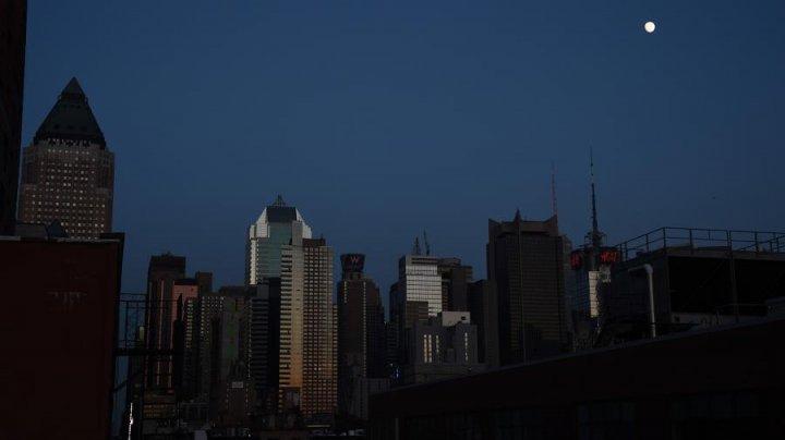 Подача электроэнергии в Нью-Йорке полностью восстановлена