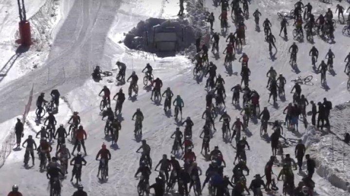 """Сотни велосипедистов упали с """"Адской горы"""""""