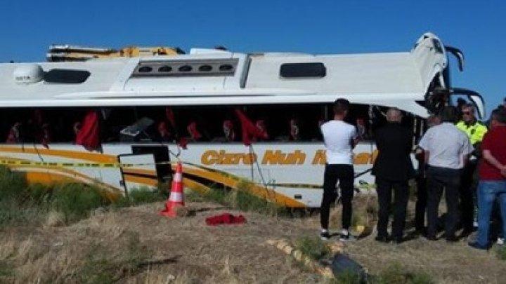 В Турции перевернулся автобус: более 40 пострадавших