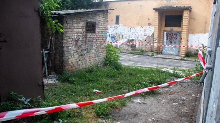 В Киеве женщина родила во дворе многоэтажки и ушла