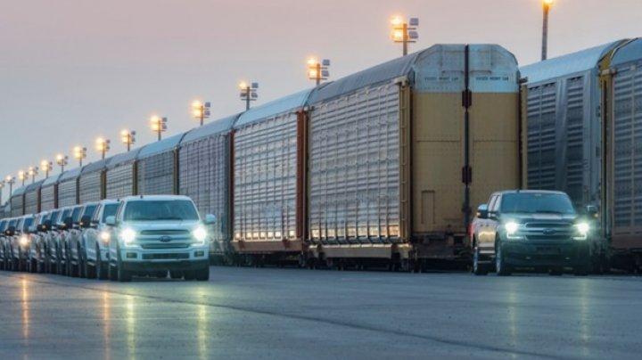 Электропикап Ford отбуксировал 450-тонный груз (видео)