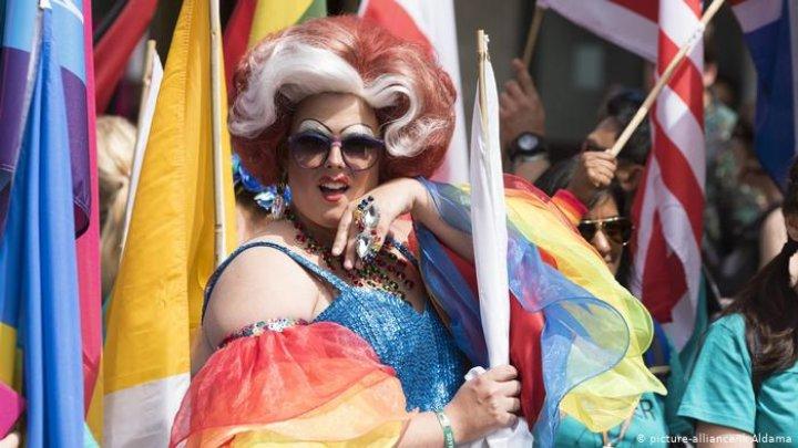 В Нью-Йорке прошел крупнейший ЛГБТ-парад в истории