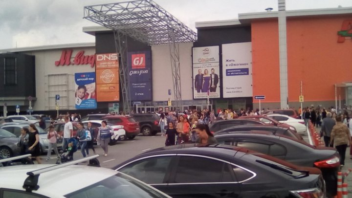 В торговом центре в Тюмени произошла стрельба