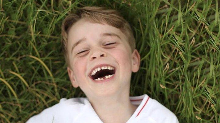 Кейт Миддлтон опубликовала снимок принца Джорджа без зуба