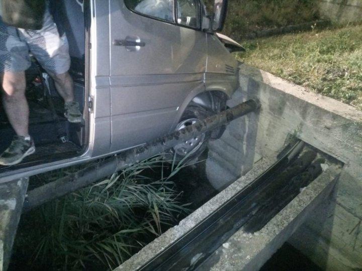 Микроавтобус с молдавскими номерами попал в аварию у румынского города Клуж