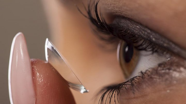 Ученые создали контактные линзы с функцией масштабирования