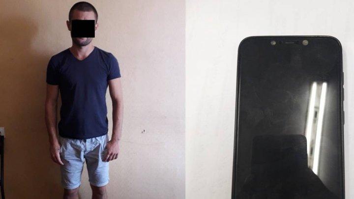 20-летний парня задержали в Кишиневе за уличную кражу