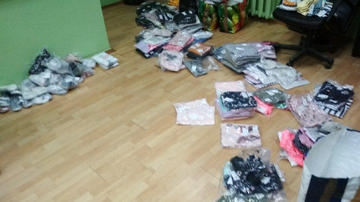 Контрабанду брендовой одежды и сигарет пресекли молдавские таможенники
