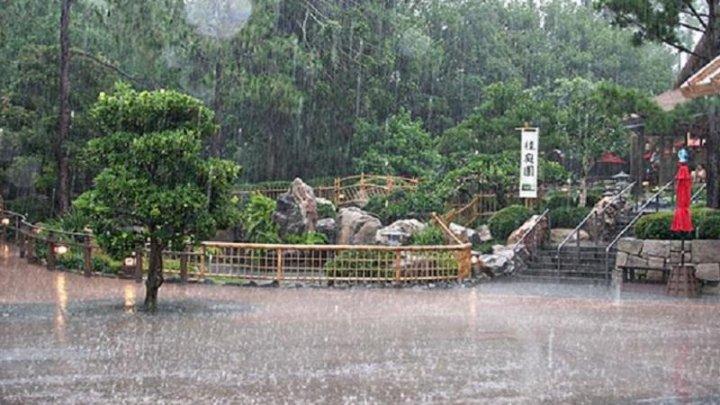 На западе Японии объявили максимальный уровень угрозы из-за ливней