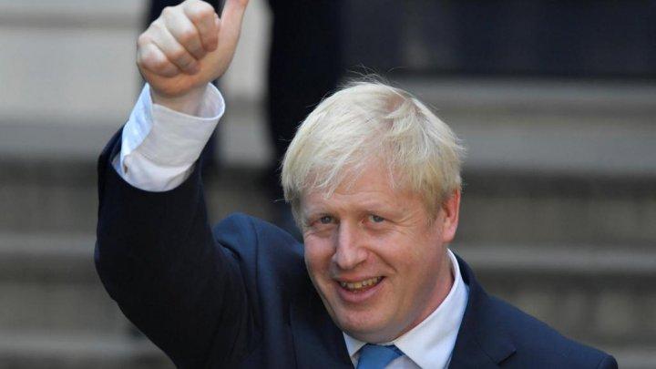 Восемь британских министров ушли в отставку после назначения Джонсона