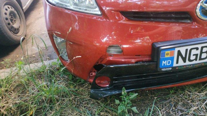 В центре столицы с автомобиля Toyota Prius украли противотуманные фары